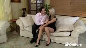 Секс крапным планом со сводной сестричкой