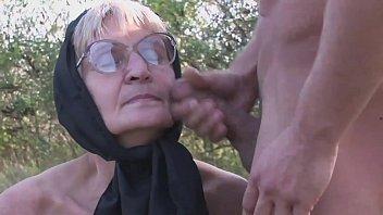 Русский муж поимел жену в попец в любительском видео